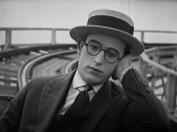 harold lloyd wikiharold lloyd pinched, harold lloyd junior, harold lloyd interview, harold lloyd young, harold lloyd presents, harold lloyd mildred davis, harold lloyd short films, harold lloyd films, harold lloyd guns, harold lloyd the marathon, harold lloyd wiki, harold lloyd safety last, harold lloyd clock